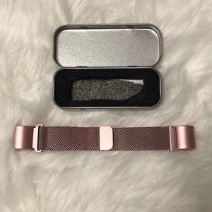 NWT Rose Pink Fitbit Charge 2 Wristband Size Small
